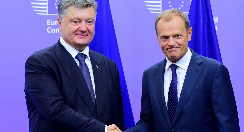 Prezydent Ukrainy Petro Poroszenko i szef Rady Europejskiej Donald Tusk na spotkaniu w Brukseli