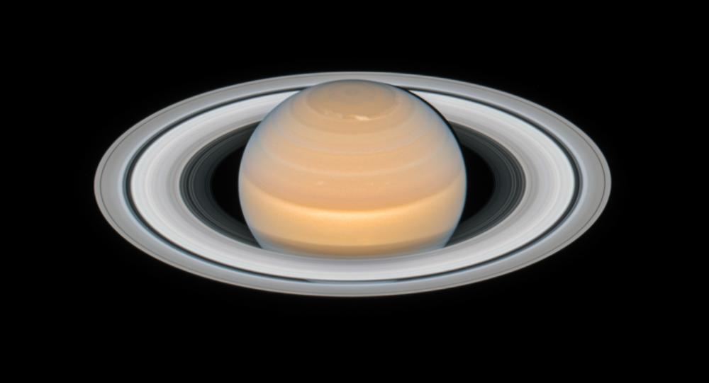 Zdjęcie Saturna wykonane przez teleskop kosmiczny Hubble