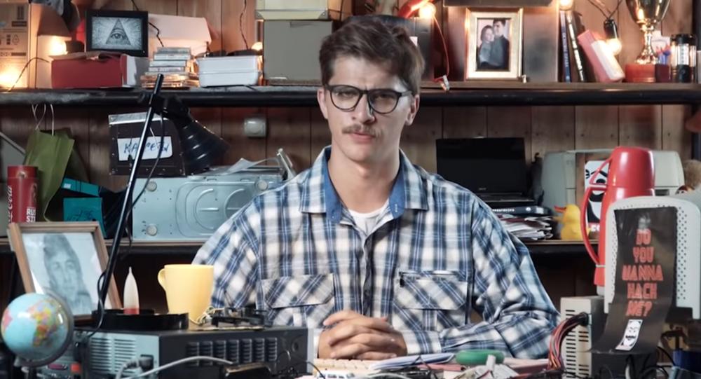 Kadr z serialu o rosyjskich hakerach Russian Hackers Life
