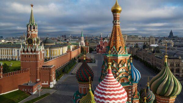 Kopuły cerkwi Wasyla Błogosławionego na Placu Czerwonym w Moskwie - Sputnik Polska