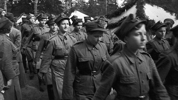 Żeński oddział dywizji Kościuszki pod Riazaniem - Sputnik Polska