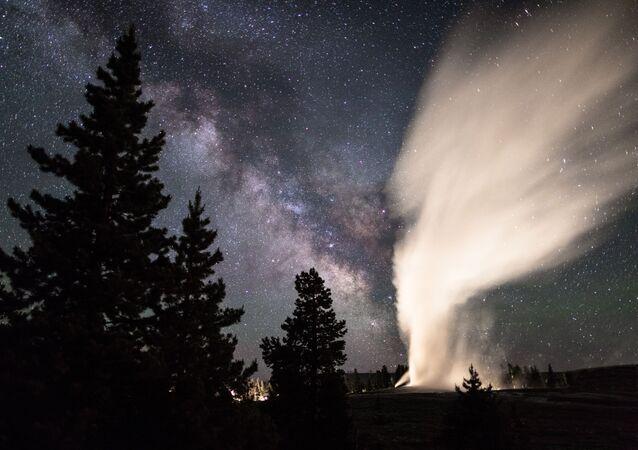 Droga Mleczna nad Parkiem Narodowym Yellowstone, USA