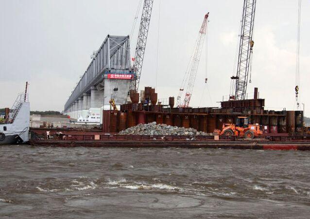 Budowa transgranicznego mostu przez rzekę Amur