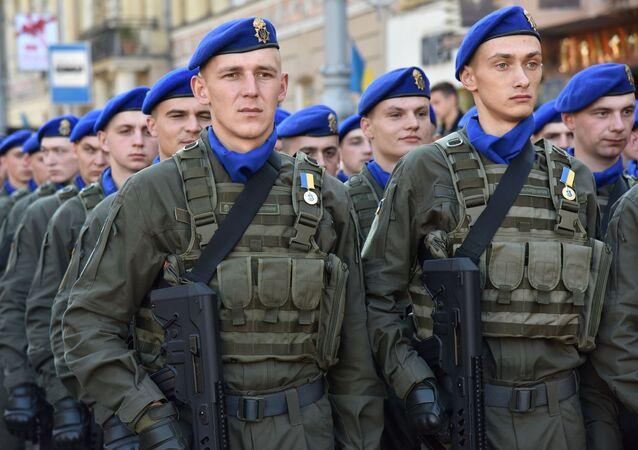 """Ukraińska armia """"pręży muskuły"""" we Lwowie"""