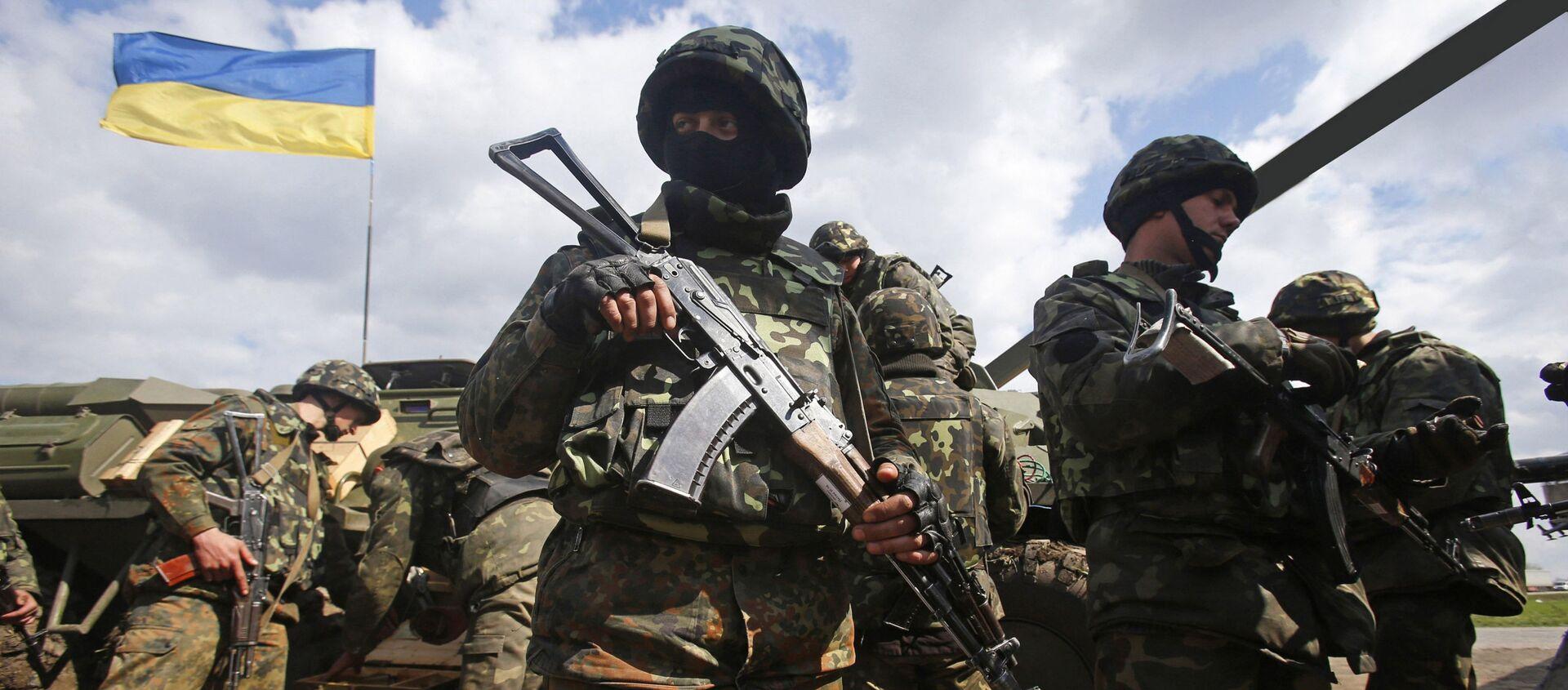 Ukraińscy żołnierze na linii demarkacyjnej w Donbasie - Sputnik Polska, 1920, 09.04.2021