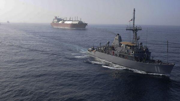 Flota marynarki wojennej USA eskortuje tankowiec przewożący LNG - Sputnik Polska