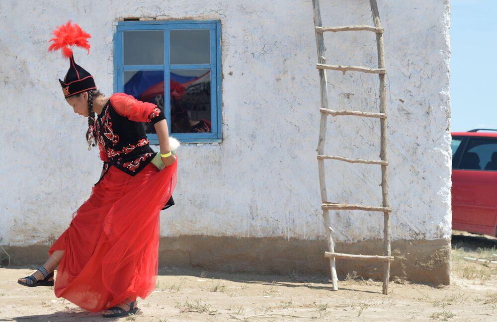 Kirgizka w tradycyjnym stroju