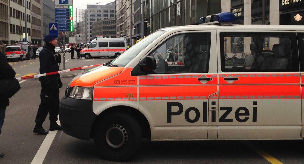 Samochód szwajcarskiej policji w Zurychu