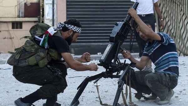 Syryjscy bojownicy z automatycznym granatnikiem AGS-17 w Aleppo - Sputnik Polska