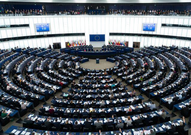 Głosowanie deputowanych Parlamentu Europejskiego