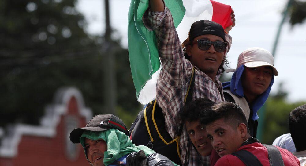 """""""Karawana migrantów zbliża się do USA"""