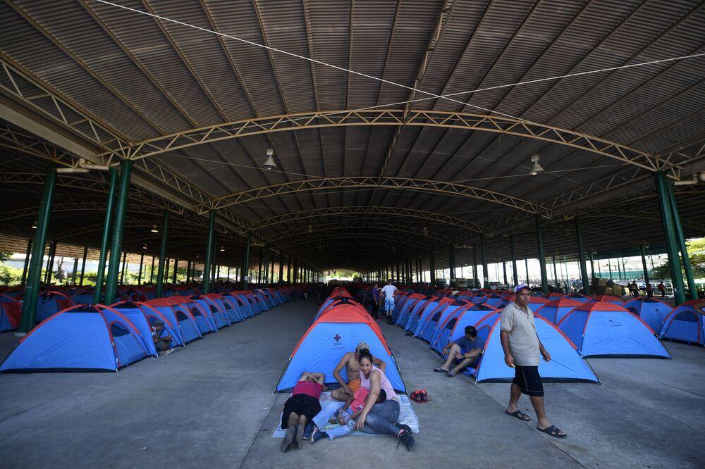 Obóz migrantów