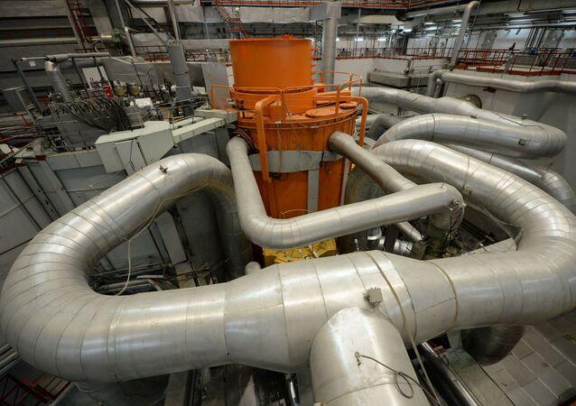 Centralna sala 4. bloku energetycznego z reaktorem BN-800 w elektrowni atomowej w Biełojarsku