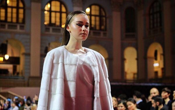 Pokaz kolekcji Doroty Goldpoint podczas Moscow Fashion Week 2018 - Sputnik Polska