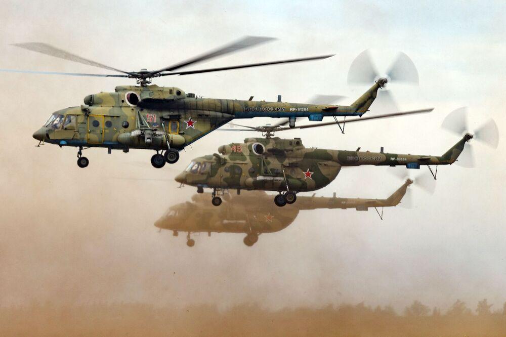 Mi-8 – radziecki śmigłowiec wielozadaniowy