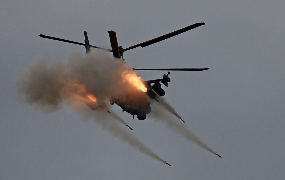 Ka-52 - rosyjski, dwumiejscowy śmigłowiec szturmowy