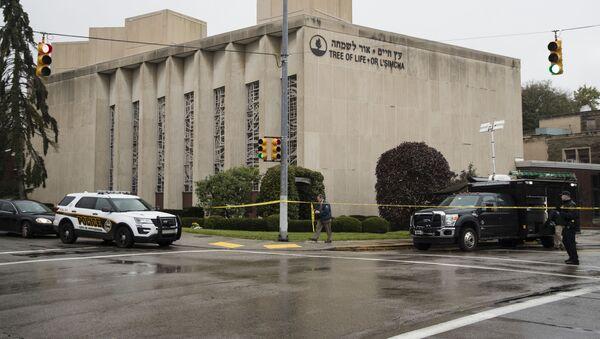 Policja na miejscu strzelaniny w Pittsburghu - Sputnik Polska
