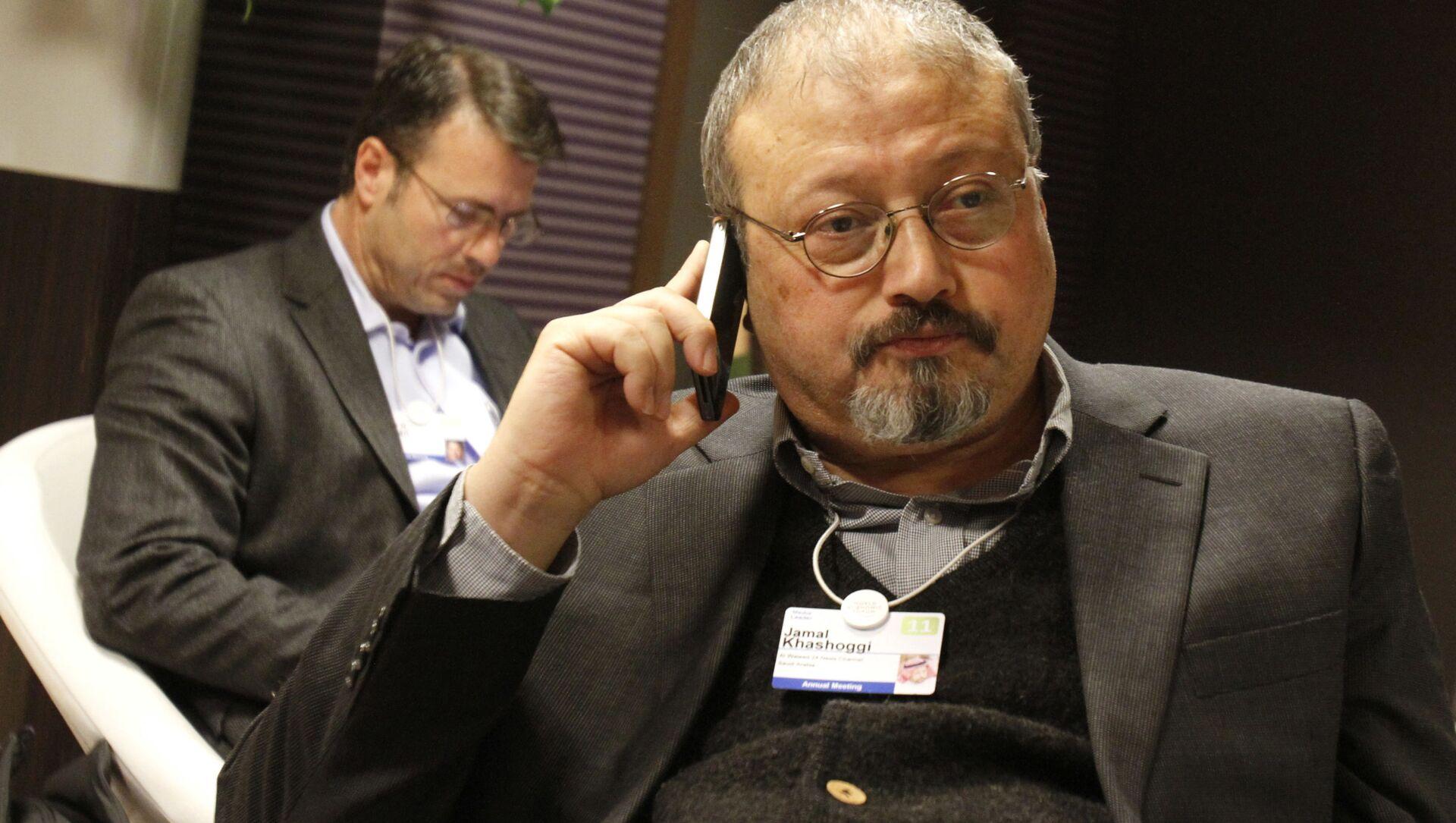 Saudyjski dziennikarz Dżamal Chaszodżdżi na Światowym Forum Ekonomicznym w Davos, Szwajcaria - Sputnik Polska, 1920, 27.02.2021