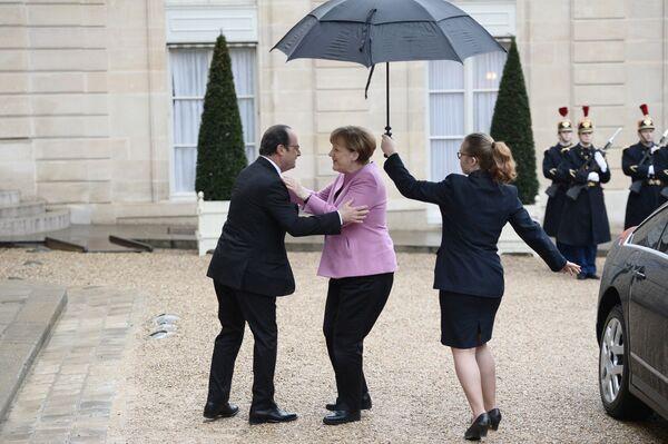 Angela Merkel z prezydentem Francji w Paryżu, 2016. - Sputnik Polska