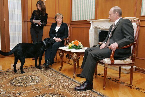 Angela Merkel w rezydencji Władimira Putina w Soczi - Sputnik Polska