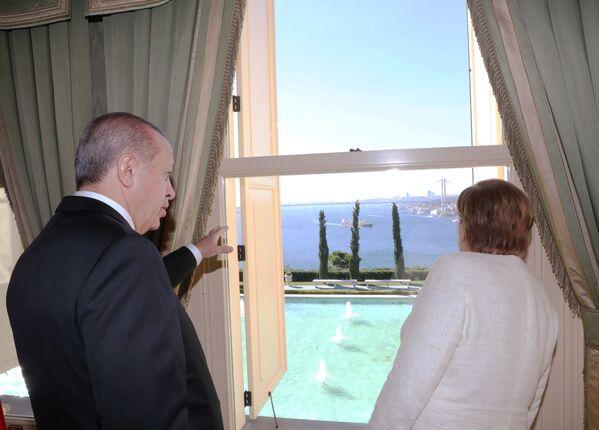 Spotkanie Angeli Merkel z prezydentem Turcji w Stambule, 2018 r. - Sputnik Polska