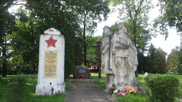 Pomnik żołnierzy radzieckich na Cmentarzu Prawosławnym w Radomiu - Sputnik Polska
