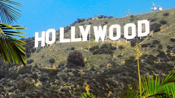 Napis Hollywood na wzgórzach Hollywood Hills w Los Angeles - Sputnik Polska