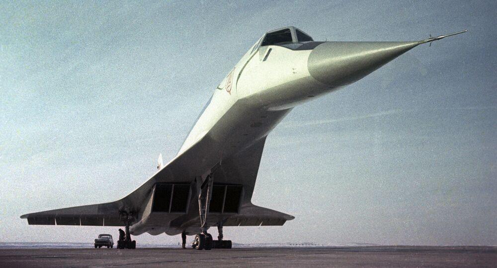 Radziecki naddźwiękowy samolot pasażerski Tu-144