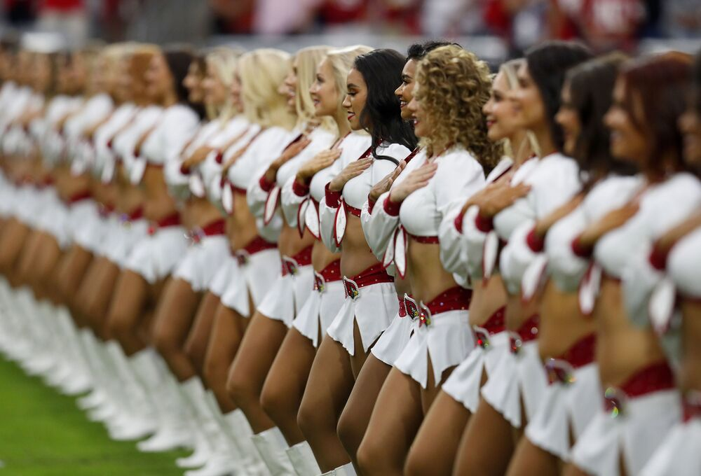 Cheerleaderki na meczu The Arizona Cardinals - San Francisco 49ers