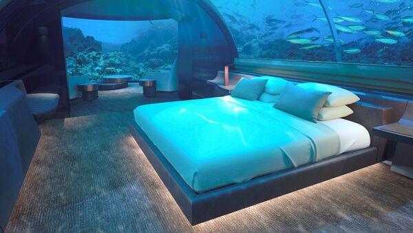 Podwodny pokój hotelu Conrad Maldives Rangali Island - Sputnik Polska