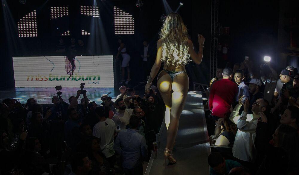 Uczestniczka konkursu Miss BumBum 2018 w Brazylii