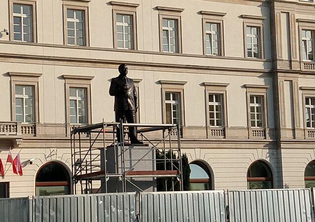 Pomnik Lecha Kaczyńskiego w Warszawie