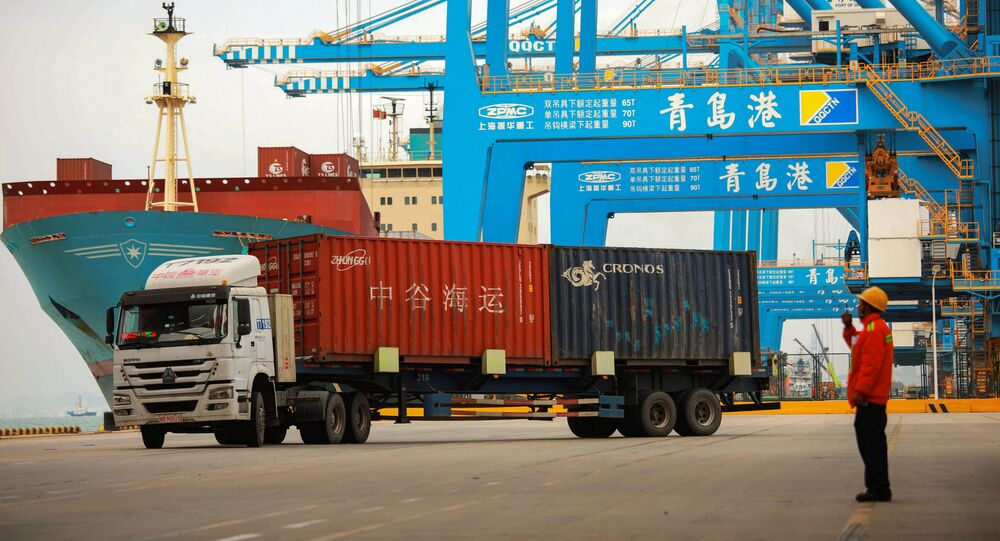 Port handlowy w Qingdao, prowincja Shandong, Chiny