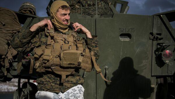 Żołnierz w czasie manewrów Trident Juncture 2018 - Sputnik Polska
