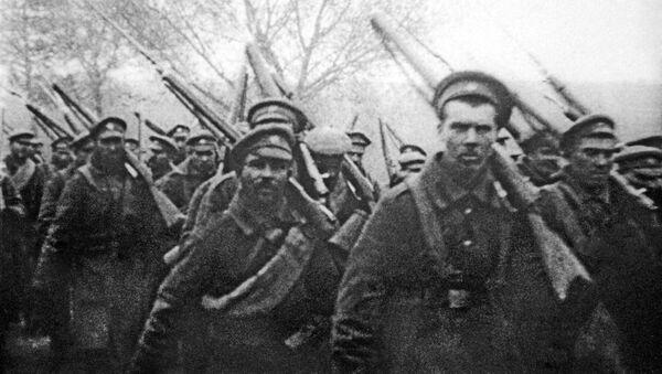 Żołnierze carskiej armii udają się front I wojny światowej - Sputnik Polska