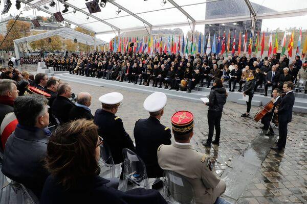 Światowi liderzy na uroczystościach z okazji 100. rocznicy zakończenia I wojny światowej w Paryżu - Sputnik Polska