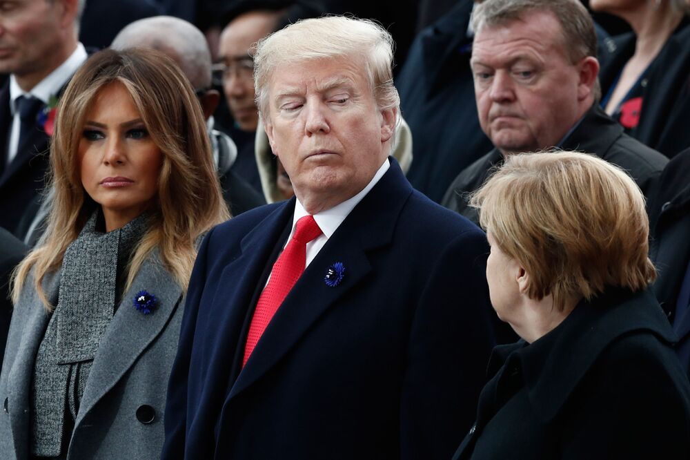 Prezydent USA Donald Trump i kanclerz Niemiec Angela Merkel na uroczystościach pod Łukiem Triumfalnym w Paryżu z okazji 100. rocznicy zakończenia I wojny światowej