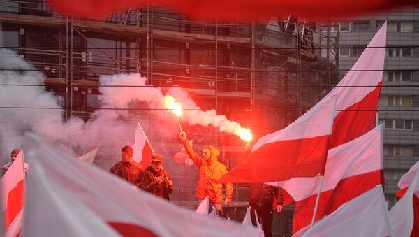 Marsz z okazji 100-lecia odzyskania niepodległości w Warszawie  - Sputnik Polska