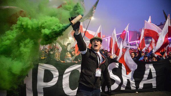 Marsz z okazji 100-lecia niepodległości Polski - Sputnik Polska