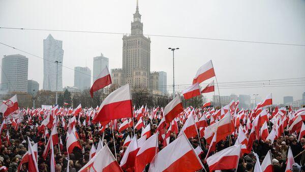Marsz w Warszawie na 100-lecie odzyskania niepodległości - Sputnik Polska