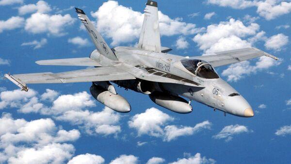 Amerykański myśliwiec pokładowy F/A-18 Hornet - Sputnik Polska