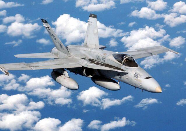 Amerykański myśliwiec pokładowy F/A-18 Hornet