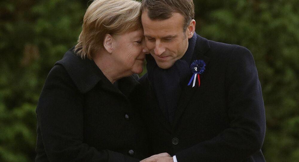 Kanclerz Niemiec Angela Merkel i prezydent Francji Emmanuel Macron podczas spotkania z okazji 100. rocznicy zakończenia I wojny światowej