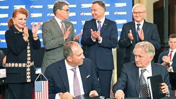 Podpisanie porozumienia w sprawie importu amerykańskiego LNG do Polski - Sputnik Polska