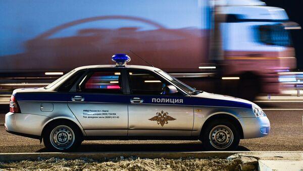 Radiowóz policyjny przy wjeździe na Most Krymski - Sputnik Polska