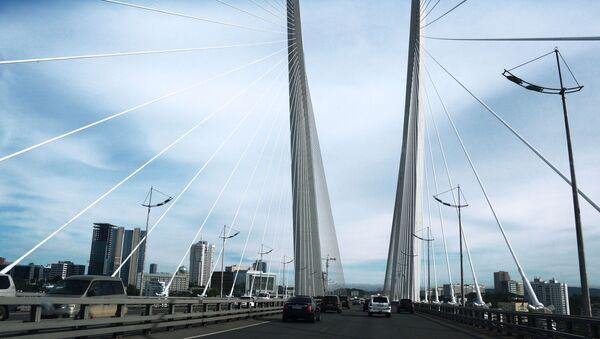 Most wantowy przez zatokę Złoty Róg we Władywostoku - Sputnik Polska