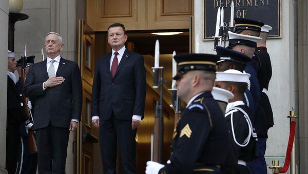 Sekretarz obrony USA James Mattis i minister obrony Polski Mariusz Błaszczak na spotkaniu w Pentagon, USA - Sputnik Polska