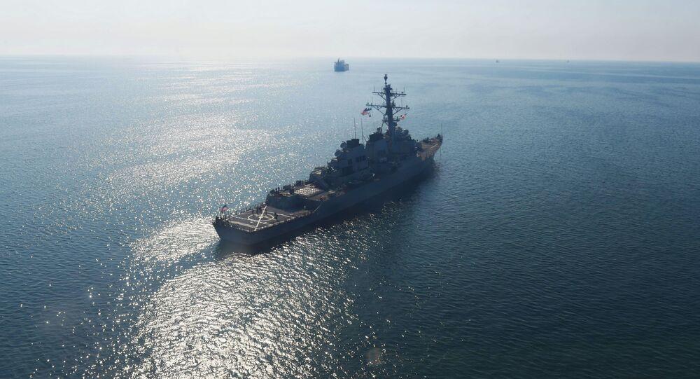 """Amerykański niszczyciel rakietowy """"Donald Cook"""" w akwenie Morza Czarnego"""