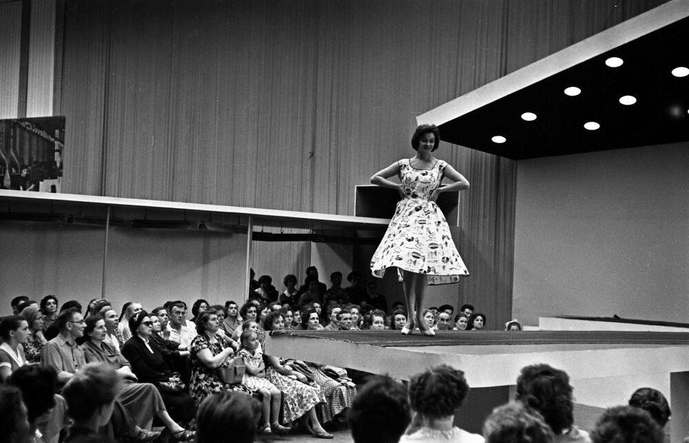 Pokaz mody. 1960 rok