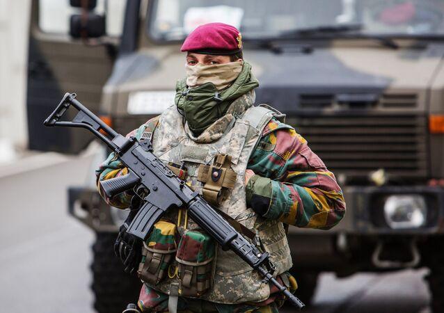 Wojskowy w Brukseli